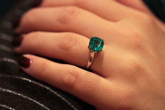 Amazing emerald ring