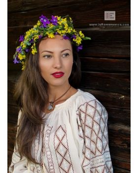 Hand embroidered Romanian folk blouse - bohemian top - fashion - worldwide shipping!