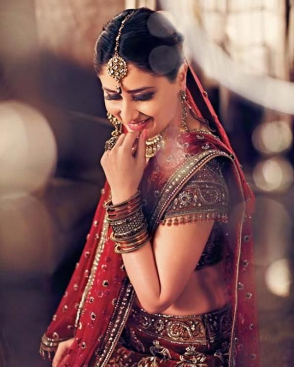 Kareena's new TVC for Parineeta Wedding Jewellery