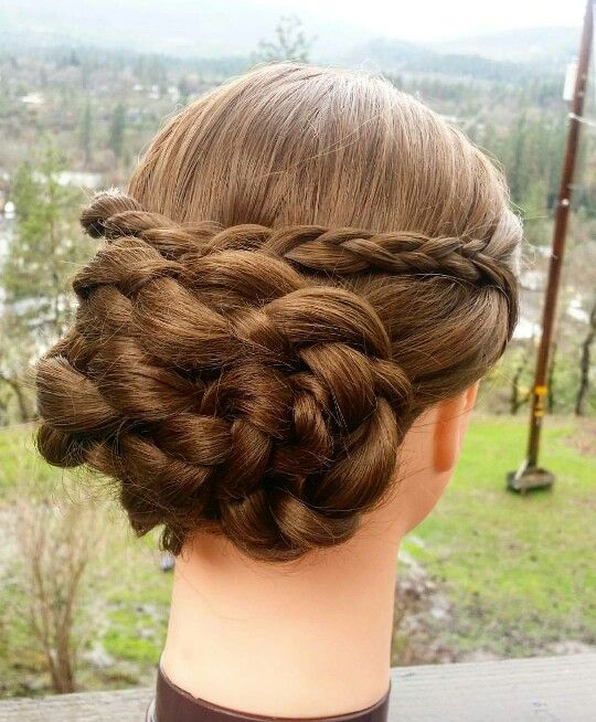 Victorian inspured hairstyle