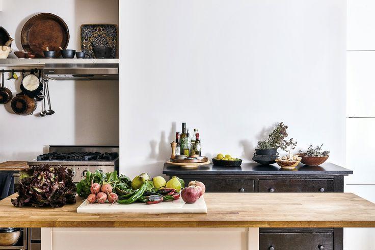 7 Ingeniosas Ideas De Almacenamiento Para Robar De La Cocina De Bajo Costo Del Chef David Kitchen Remodel Countertops Butcher Block Countertops Kitchen Remodel
