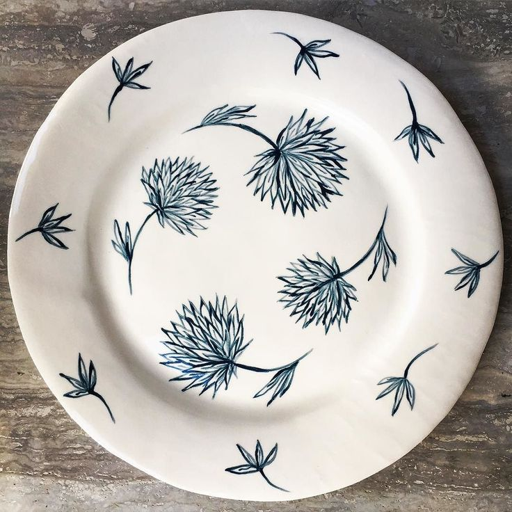Hand painted earthenware plate #handpainted #blueandwhite #ceramics