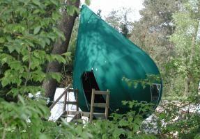 Overnachten in een boomtent op camping De Hertshoorn