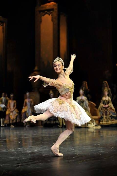Jurgita Dronina is a principal dancer with the Dutch National Ballet. The ballet is The Sleeping Beauty (La Bella Durmiente). Photography by SERGUEI ENDINIAN