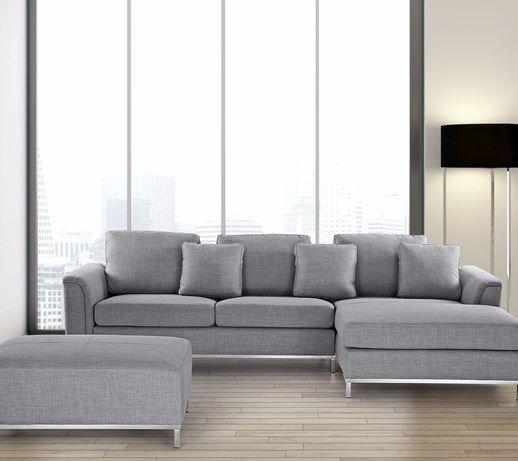 Elegancka tapicerowana sofa w kolorze jasnoszarym stanowi przepiękną kombinację narożnika oraz pufy. To zestawienie zapewni Państwu niewyobrażalnie dużo miejsca, stając się na długie lata oazą codzien ...