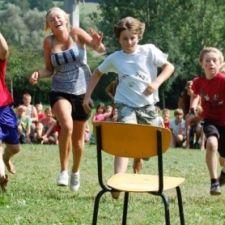 Laatste schooldagen - Op deze website vind je massa's ideeën voor binnen- en buitenspelen.
