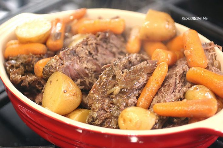 This Crock Pot Pot Roast is one of my go-to recipes! With only 3 ingredients it… – This week's feasts :)