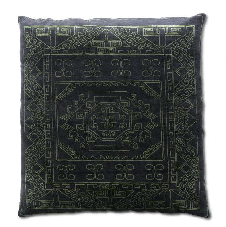 mr nest cuscions #Mr. Nest cushions India, FEATURES hand knotted cushion, MATERIAL 100% silk or 100% wool, PRODUCTION AREA India, COLOR any colours, DIMENSIONS 120x120 cm, PILE HEIGHT no, KNOTS/INCH chain stitch and  crewel. http://nodusrug.it/it/collezione_tappeti_scheda.php?ID=MRNESC