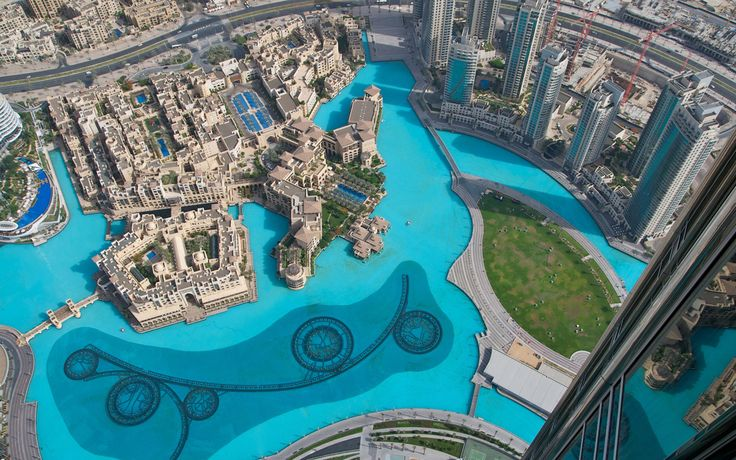 Mein pool dubai giant swimming pool burj khalifa 1920 for Pool design dubai