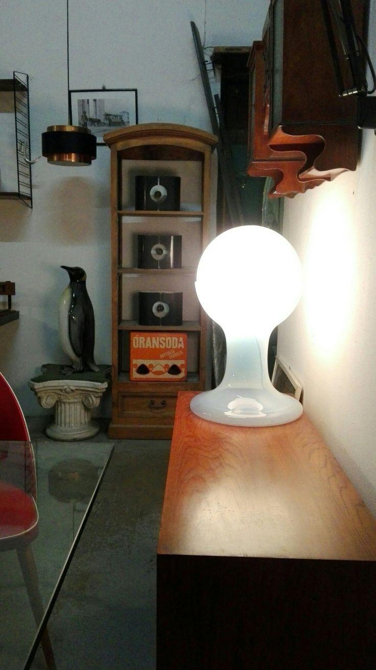 Lampada LT216 Carlo Nason  Misure 30x50h  Ottime condizioni #magazzino76 #viapadova #Milano #nolo #modernariato #vintage #design #illuminazione #spaceagelamp #spaceage #industrialdesign #furnituredesign #furniture #mobili #modernfurniture #lamp #arredo #arredodesign #solocoseoriginali #vetro #glasslamp #lamp  #midcentury #modern #lampadadatavolo #madoveletrovi #compromodernariato #acquistomodernariato