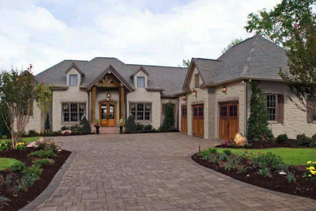 Single story homes anthem view lane knoxville tn for Big one story homes