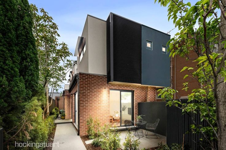 1/50 Chomley Street, Prahan  An innovation of design and detail by award-winning PCA Architects,