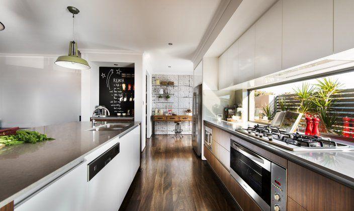 Overhead cupboards and narrow window splashback alternative