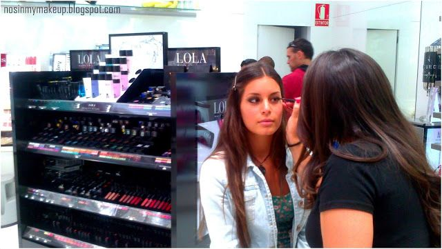 NOSINMYMAKEUP: Conociendo Lola Make Up en Perfumerías Júlia