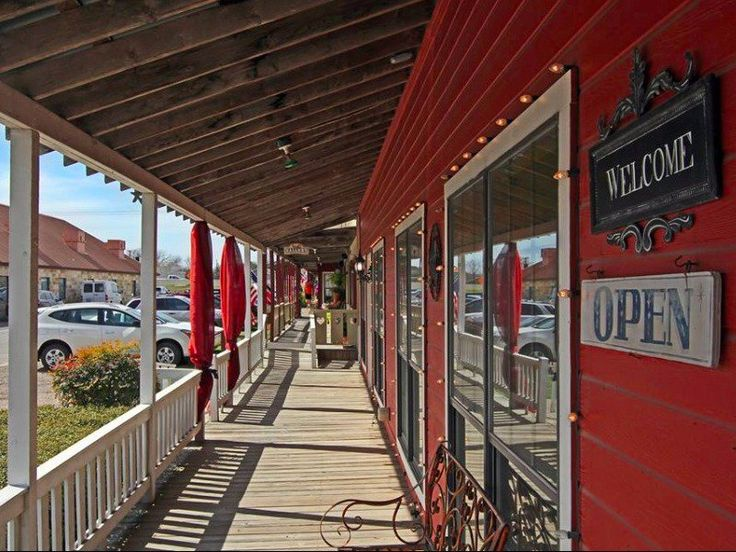 13 of the Most Charming Small Towns in Texas | Salado TX.  Highlighting the heart and soul of true Texas, the state's array of small towns offer the perfect combination of picturesque…