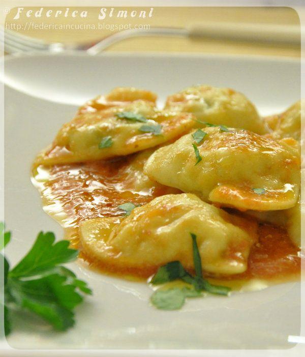 http://federicaincucina.blogspot.it/2014/02/ravioli-ripieni-di-rana-pescatrice.html ravioli ripieni di pesce