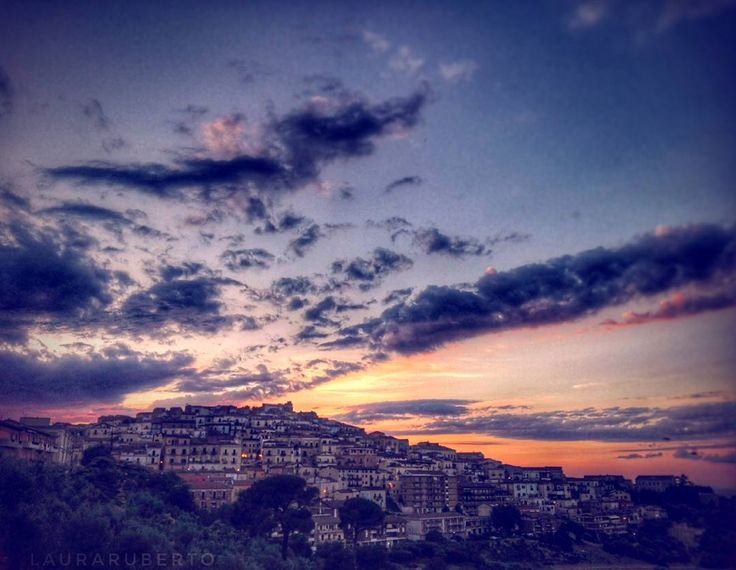 Puglia of the day Repost di @rublau Candela ・・・ Tag #pugliacom per segnalarci le tue foto Le condividiamo sui nostri canali Facebook e Instagram! ・・・ #apulia #puglia #pugliaview #pugliagram #yallerspuglia #italian_places #italiainunoscatto #italianlandscapes #italytravel #ig_italia #italy  #instamoments #instagood #picoftheday #photooftheday #likemypic #like4like #l4l #follow4follow #f4f #travel