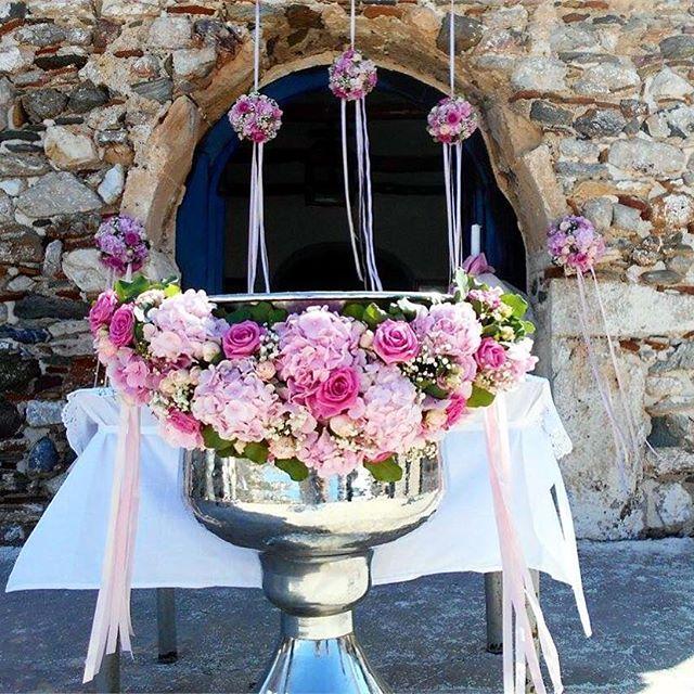 #rosetta #rosettaflowers #rosettaeventi #myflowers #nature #beach #greece #greekwedding #sea #vsco #natgeo #church #bridal #wedding #decoration #instadaily #instamood #inspiration #weddinginspo #bridalflowers #roses #pink