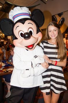 Get the most out of your Walt Disney World dining with these 101 tips!