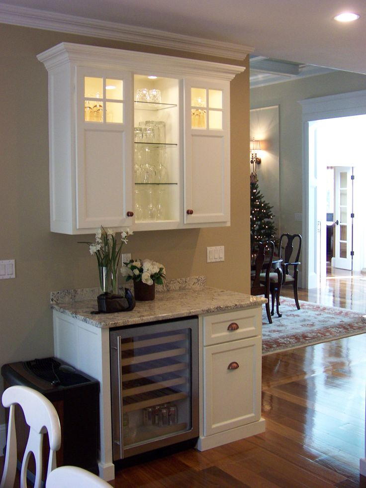 1000 ideas about kitchen wet bar on pinterest wet bars for Bar with cabinets under