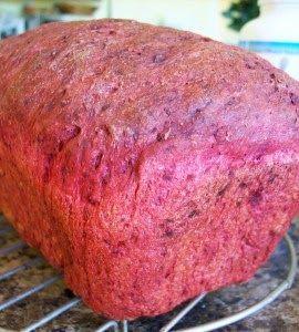 """""""Máquina de Pão"""" -  Pão de Beterraba e Cebolinha"""