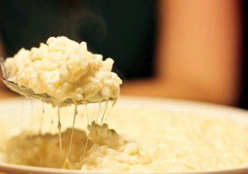 Experimente fazer receita de Arroz à piamontese que é bem simples de fazer. Você pode fazer o arroz à piamontese no natal. Receita de Arroz à Piamontese