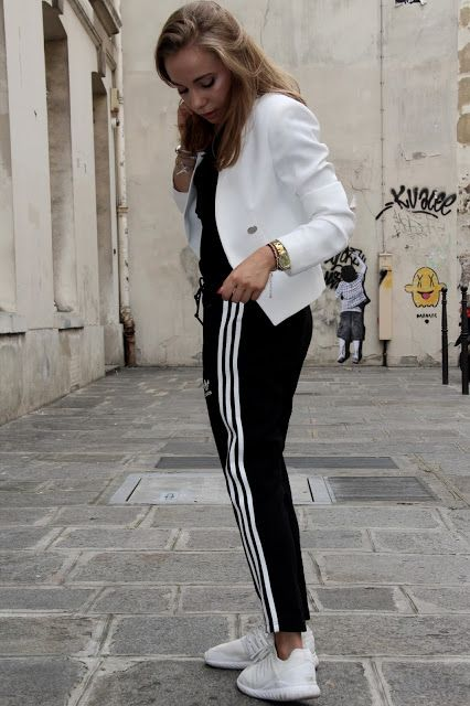 Elevenber: SPORT CHIC ADIDAS  JOGGING BLACK AND WHITE  STREET STYLE