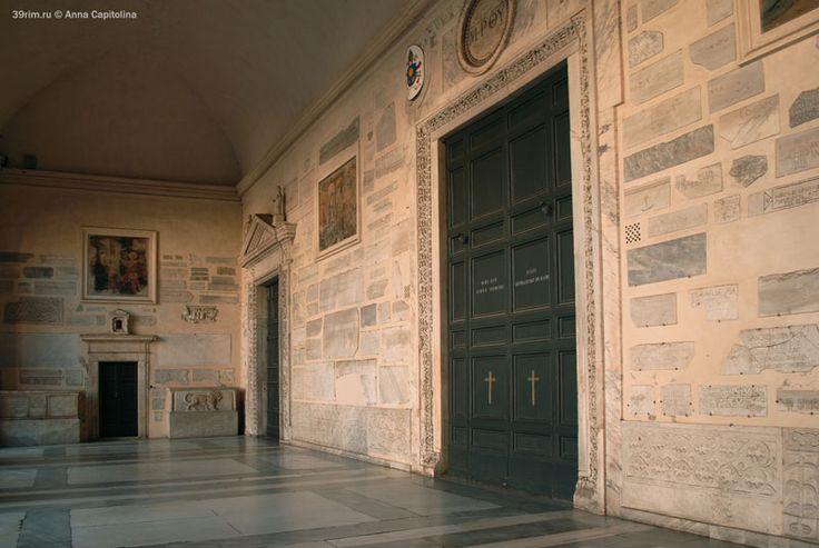 Внутреннее пространство портика базилики Санта Мария ин Трастевере
