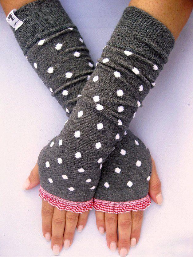 Armstulpen, Stulpen mit Daumenloch // arm warmer, glove via DaWanda.com // 18€