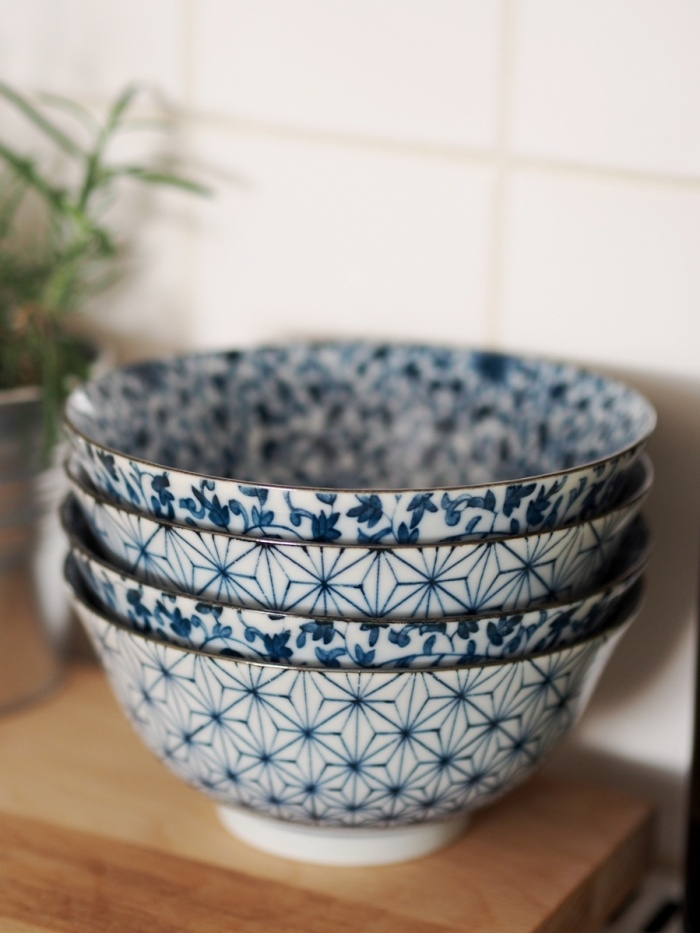 just bought these same floral japanese bowls from the market, gorgeous. Now I need to work out how to get them safely home from London!