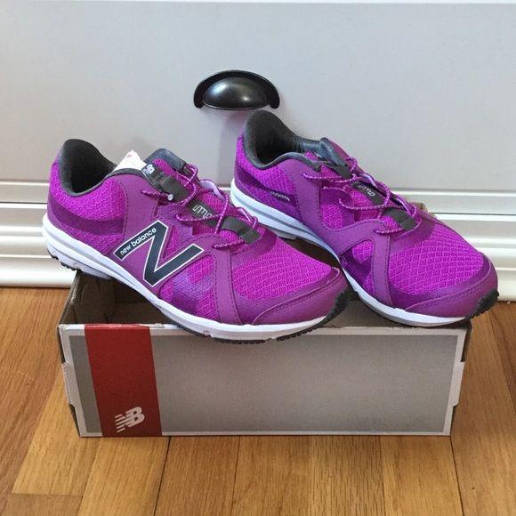 New Balance purple sneakers Brand new lightweight women's walking shoe, dual comfort, size 8 1/2 wide New Balance Shoes Sneakers