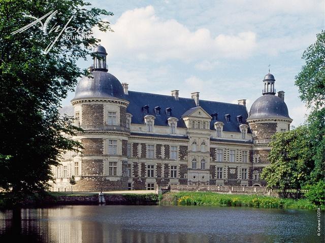 Château de Serrant - St Georges sur Loire, château de la Loire le plus meublé!!