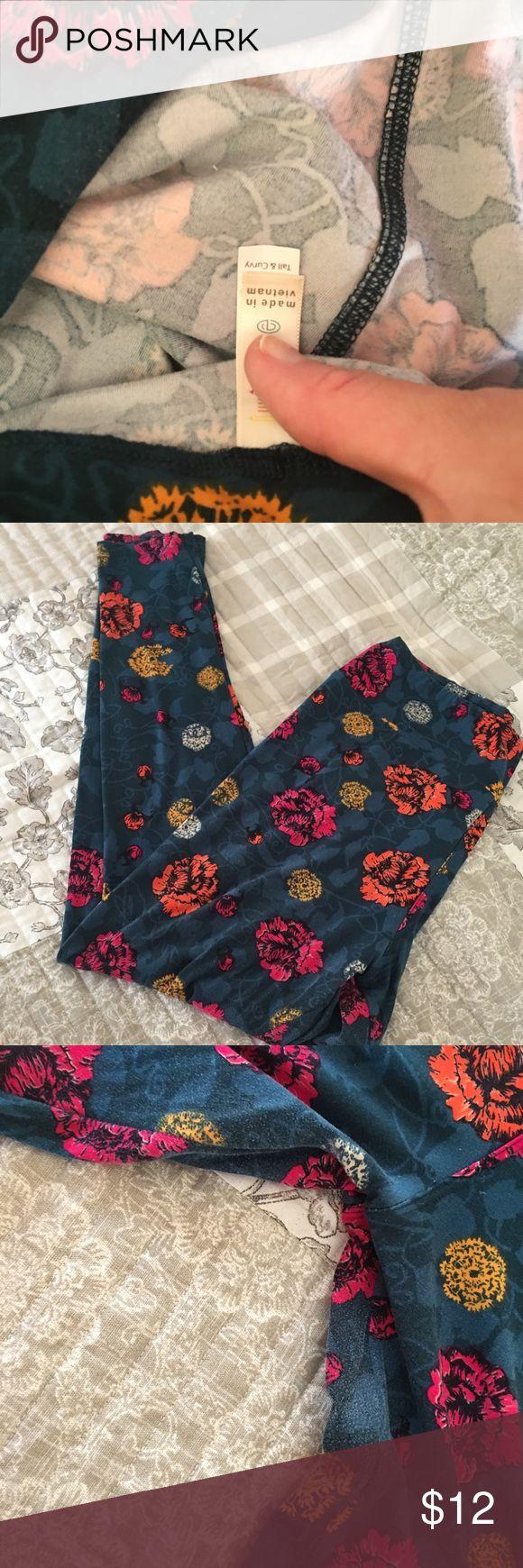 TC Floral leggings Floral lularoe leggings! Some stippling in between the legs LuLaRoe Pants Leggings