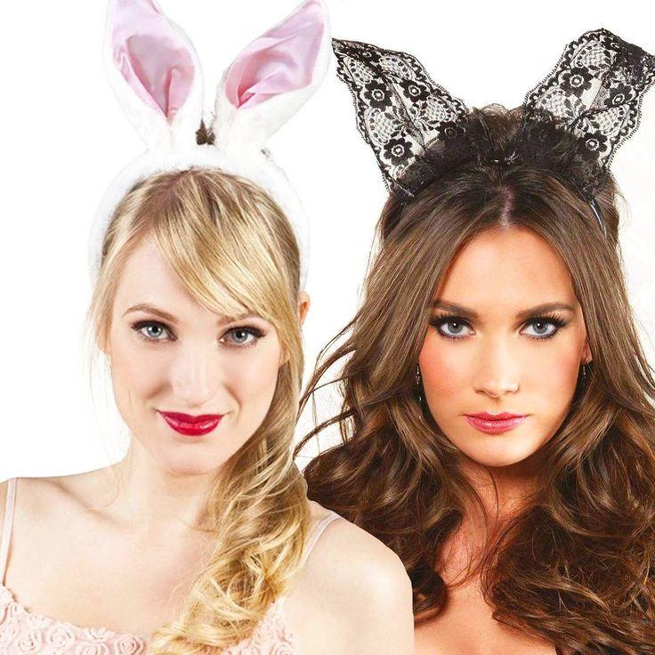Schattig of sexy? Voor welke #paashaas oren zou jij gaan?    Schattige witte oren =   Sexy zwarte oren van kant = ❤  . . . .   #pwhoofs #pasen #paasfeest #pasen2017 #easter #bunny #paasei #paasweekend