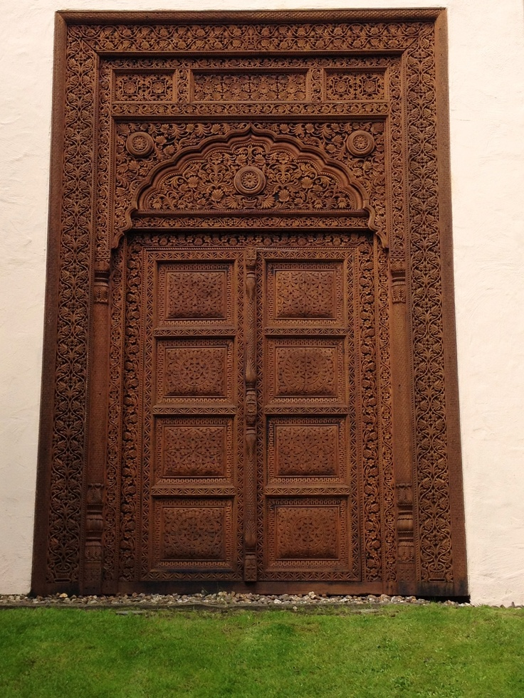 indian style door at the sauna mediterana bergisch. Black Bedroom Furniture Sets. Home Design Ideas