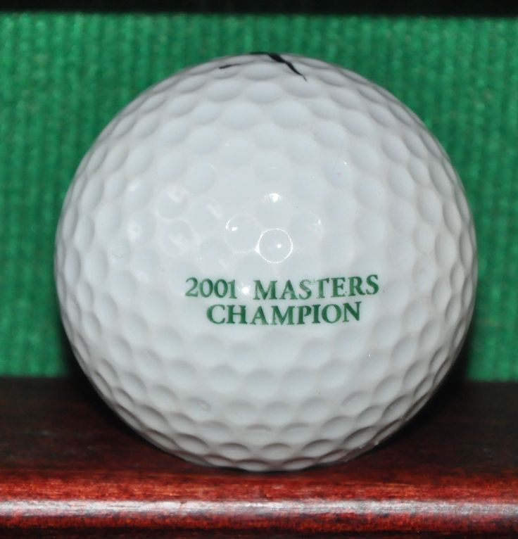 Tiger Woods Commemorative 2001 Masters Champion Tiger Slam Logo Golf Ball. Nike