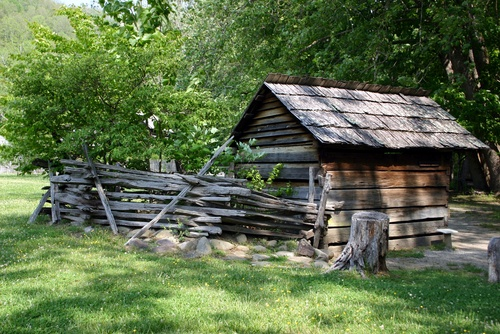 17 best images about cabins of yesteryear on pinterest for Cabin in north carolina mountains