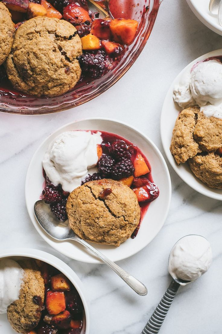 Peach & Blackberry Cobbler by Faring Well // #vegan
