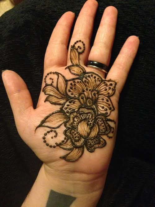 Palm; design heavily influenced by Amelia Dragiewicz.  Free hand. www.om-agehenna.com