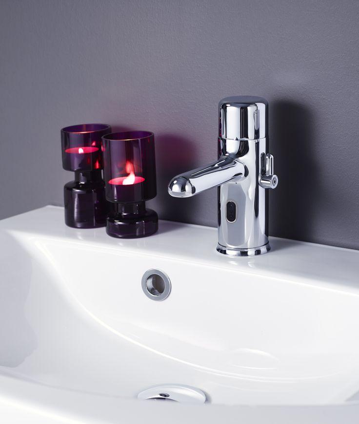 Tvättställsblandare Logic - sensorstyrd. Enkel installation med självkalibrering.