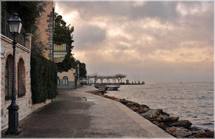 Torri del Benaco   Garda Lake   Verona - Italy (photo by Fabio Tacconi)