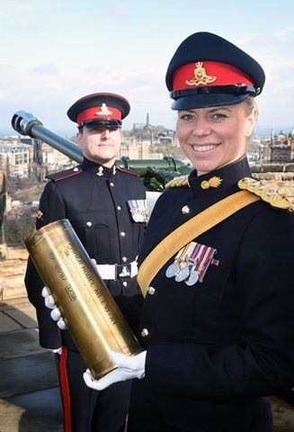 #BritishArmy ..... Captain Lori Sharp was selected by the Army in Scotland to fire the world famous one o'clock gun at Edinburgh Castle to highlight the celebration of International Women's Day. .... Captain Sharp joined the Army Reserve in 2001 before commissioning into the Regular Army in 2006. She is currently posted as Adjutant of 105th Regiment Royal Artillery.