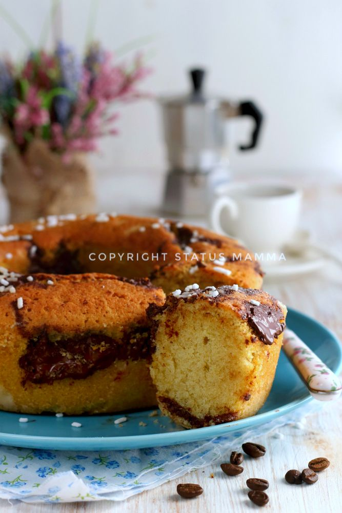 Facile veloce e golosissima la ricetta per un Ciambellone soffice al cappuccino e cioccolato fondente cremoso che conquisterà tutti al primo assaggio.