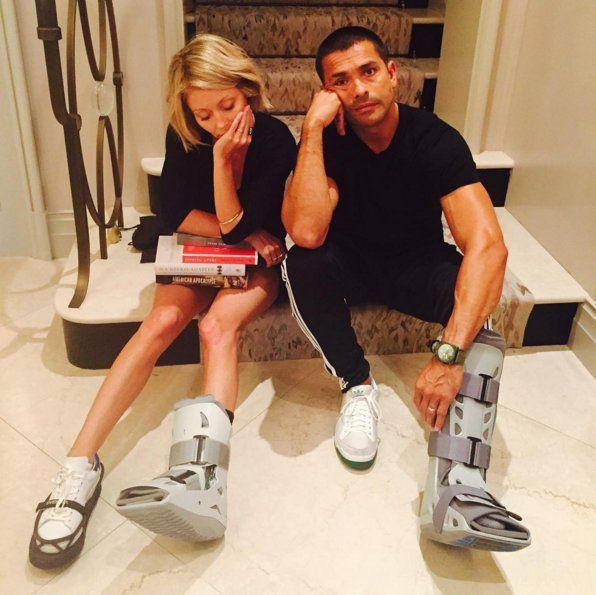 """Pin for Later: Kelly Ripa and Mark Consuelos Share Such Sweet and Hilarious Family Photos  """"ARE YOU KIDDING ME RIGHT NOW??????????? WTF?????"""""""