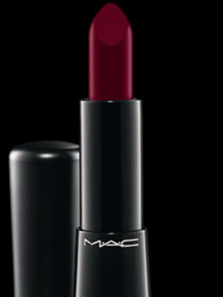 dark lips 10 rouges l vres fonc s pour adopter la tendance maquillage sombre et l vres. Black Bedroom Furniture Sets. Home Design Ideas