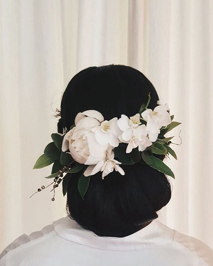 Suzie   hair by @elizabeth.engelbrecht   blooms by @bramblehaus  peony | lemon myrtle | orchid | melaleuca seeds