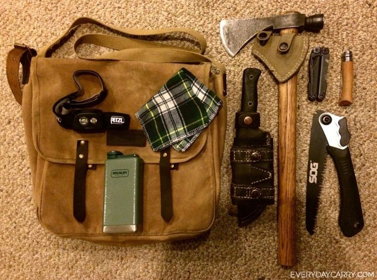 #myhealthmission - Looking to create a foraging kit and not sure where to start? Check out: Everyday Carry - 27/M/Mission, BC/Self Employed - Simple  Hike/Foraging Essentials  To find more about our community Health services in Mission BC, check out pinterest.com/missiondivision or divisionsbc.ca/mission