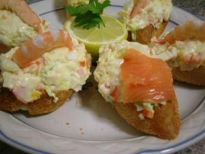 Montadito de palito de cangrejo con gamba  #pinchos y #tapas