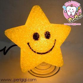 Lampu Karet Bintang Smile  Lampu lucu ini bagus banget sebagai lampu tidur, karena sinarnya yang temaram, dan bentuk yang pastinya lucu !! ^^  Cocok sebagai koleksi pribadi maupun sebagai kado ulang tahun ^^  Untuk pertanyaan bisa langsung menghubungi kami di: - CS ONLINE PERI GIGI Shop (YM) - 021. 968.770.88 | 0852.1926.7171 ( SMS ONLY ) - PIN BB 27C19B7C  www.perigigi.com