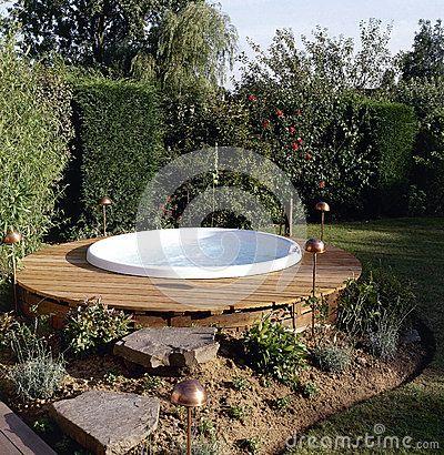 ms de ideas increbles sobre jacuzzis al aire libre solo en pinterest baeras de hidromasaje cubierta de baera de hidromasaje y patio de baera de